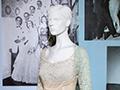 Wedding gown mannequin